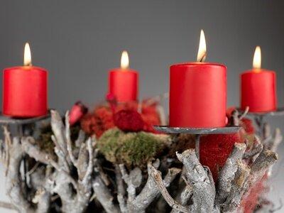 Adventskrnze selbstgemacht Adventsgestecke und Weihnachtsdeko